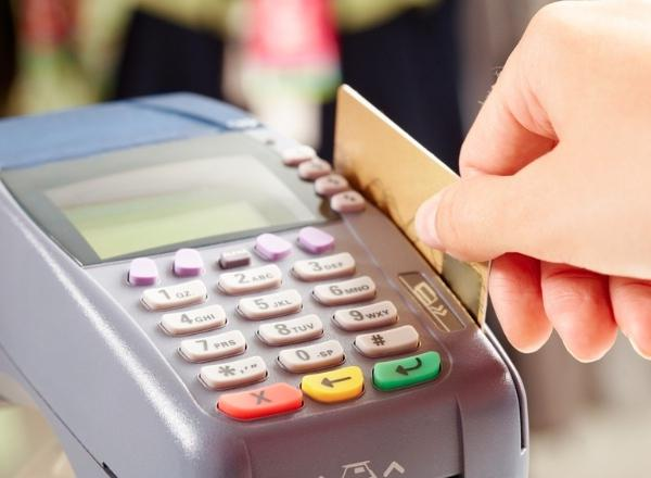 Почему лучше расплачиваться безналичным расчетом